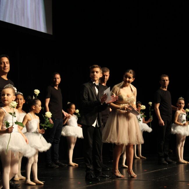 15 Zauberhafte Vater und Töchter Darbietung der Ballettacademy Tracy (1)